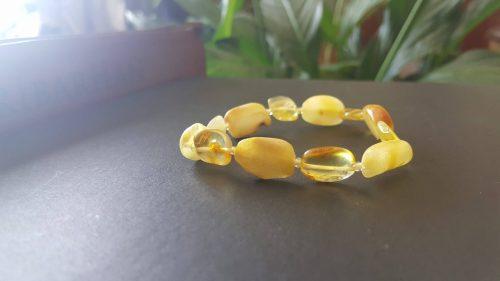 Ham kehribar doğal taş bileklik geniş taneli orta (butter amber and honey amber))